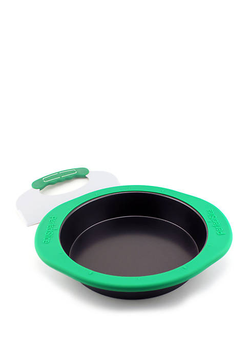 Perfect Slice Round Cake Pan with Silicone Sleeve tool