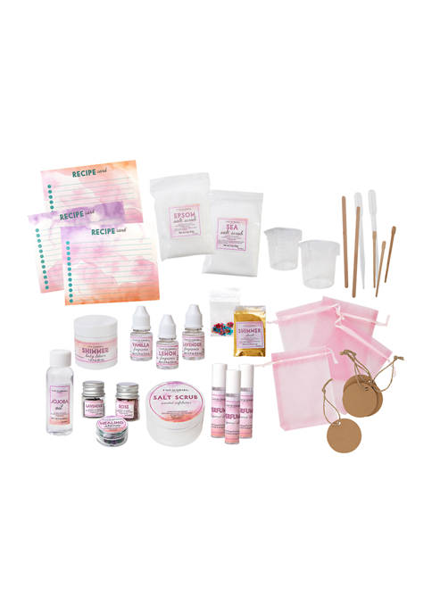 FAO Schwarz 36 Piece Girls DIY Beauty Set