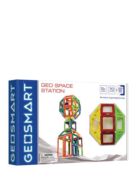 GeoSmart GeoSpace Station: 70 Pieces