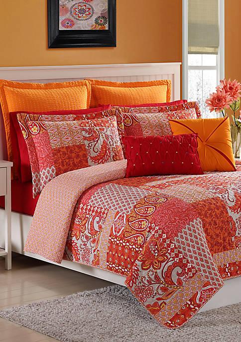Fiesta® Marchia Quilt Set