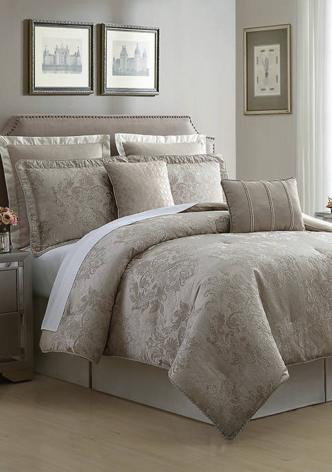 Travino Comforter Set