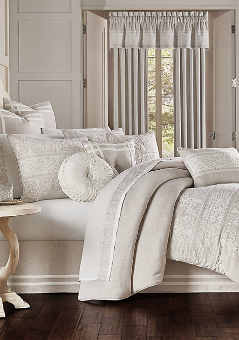 J Queen New York Lauralynn Comforter Set