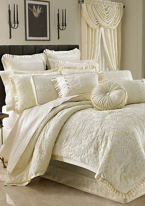 J Queen New York Marquis Comforter Set
