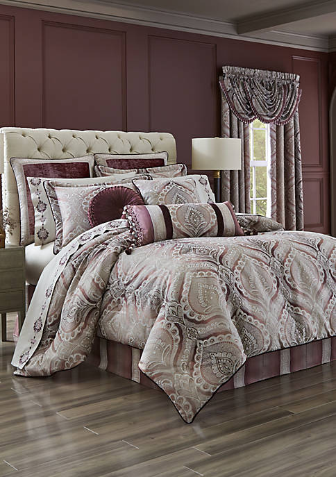 J Queen New York Gianna Comforter Set
