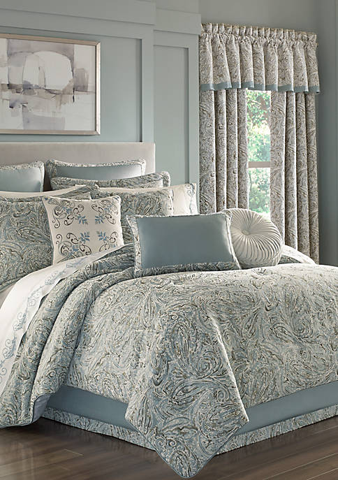 J Queen New York Giovani Comforter Set