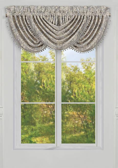 J Queen New York Aidan Spa Window Waterfall