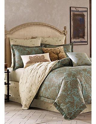 BiniChic Foscari Comforter Set