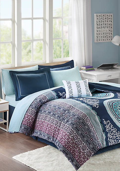 Intelligent Design Loretta Complete Bed Set