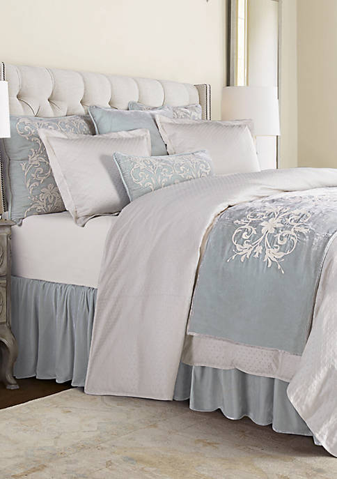 HiEnd Accents Belle Comforter Set