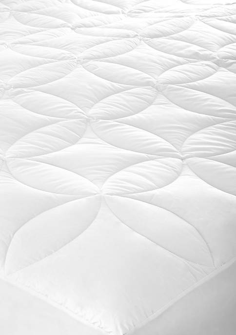 Crown & Ivy™ Circle Quilted Mattress Pad